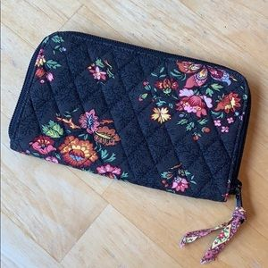 Vera Bradley Wallet Wristlet • Chocolat